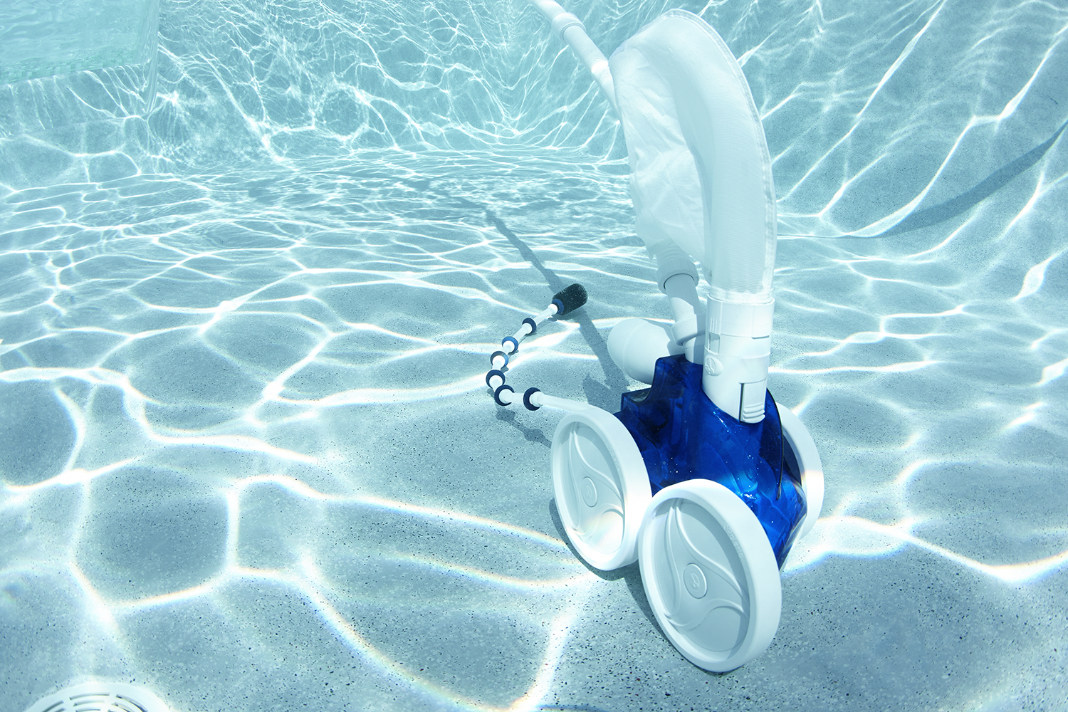 Best Automatic Pool Cleaner - Top 10 Brands To Buy In 2019 ...