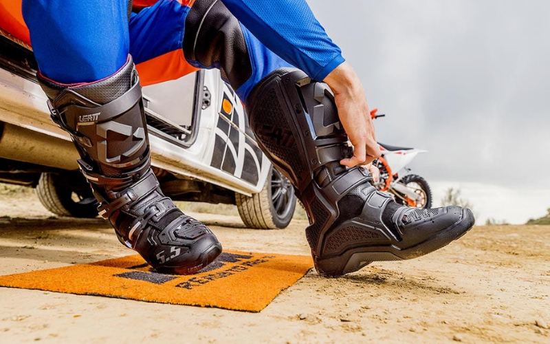 Best Motocross Boots In 2021 – Top 10 Rated Reviews & Buying Guide